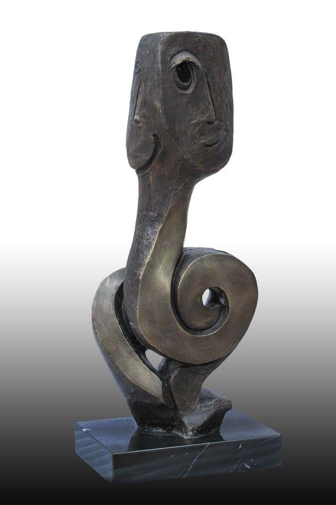 Artist : Federico Rivero / Title : Renaciendo / Dimensions : 52 x 21 x 12 cms / Technique : Bronze / Price: MXN $15,000 / Status : Available / Year : 2016