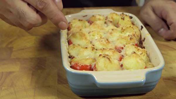 Peperoncini ripieni di formaggio e patate (ricetta al forno)