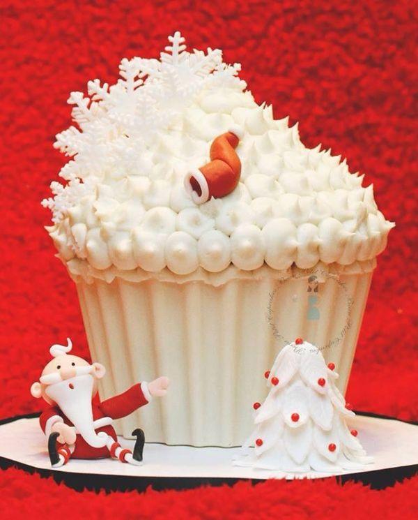 Elegant Christmas Cake Decoration : 642 best images about Elegant Christmas decor/Christmas ...