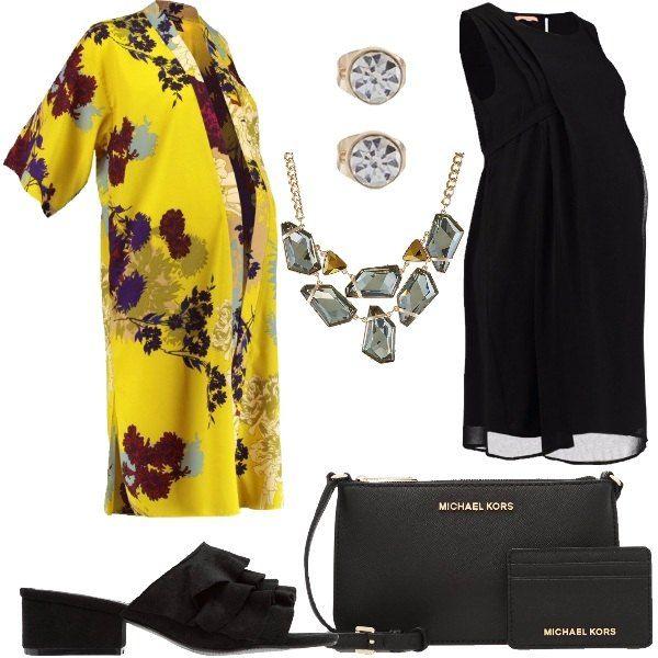 Outfit+composto+da+vestito+elegante+nero+con+scollo+tondo,+giacca+leggera+a+fantasia+floreale,+ciabattine+nere+in+tessuto+ed+ecopelle,+borsa+a+tracolla+in+pelle,+collana+in+metallo,+vetro+e+plastica+e+orecchini+in+metallo+e+vetro.