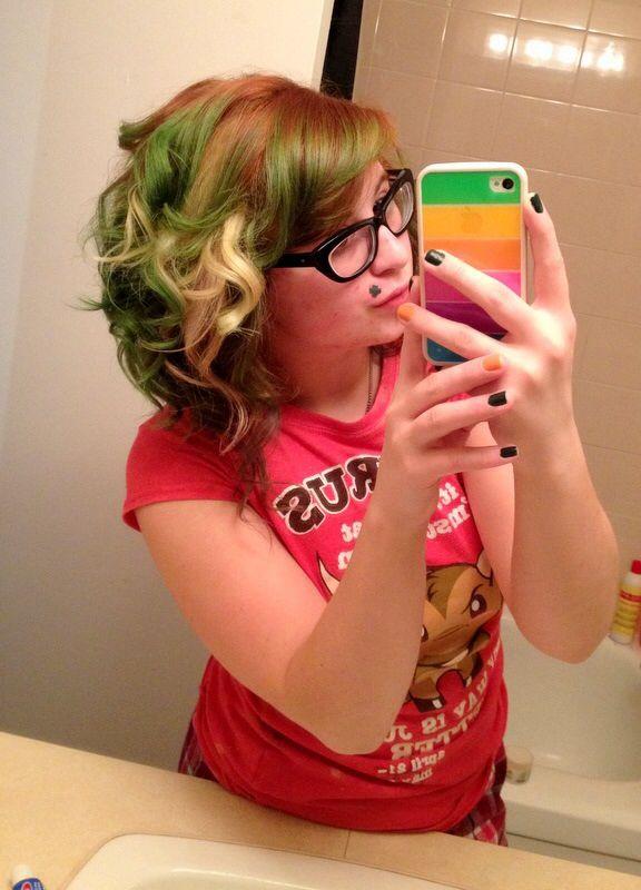 Green Hair ! Curls
