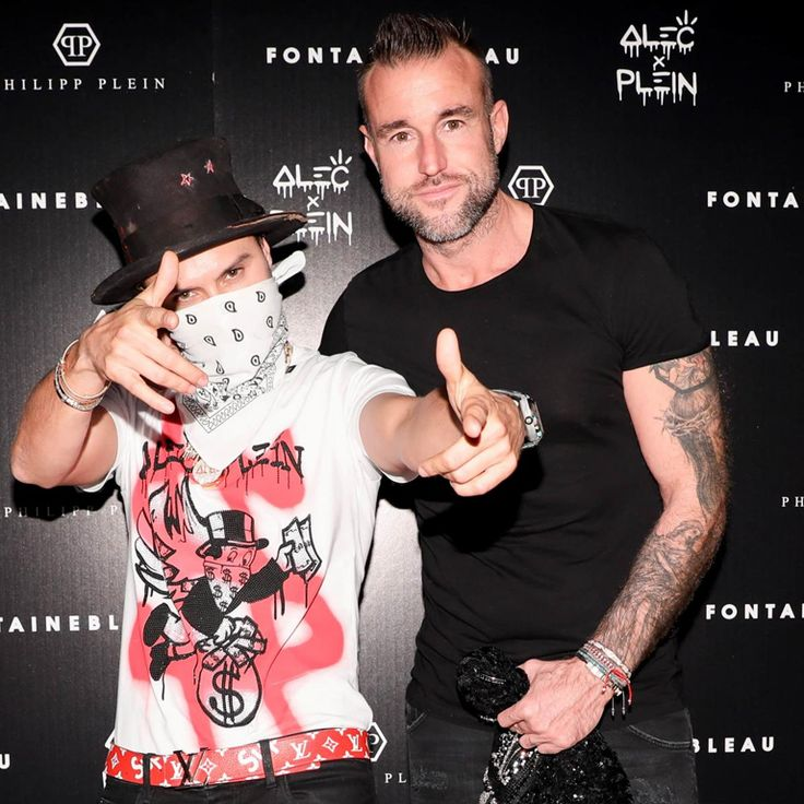 Philipp Plein and Aleccollaborator| Philipp Plein and Los Angeles graffiti artist Alec Monopoly celebrated the drop of their capsule collection. Alec has customized some garments for Philipp Plein, a collection now available in our store. See more in our Stories and through our link in bio.  #philippplein #philippplein_outlet #philipppleinofficial #philipppleintshirt #philipppleininternational #philipppleinbuyoriginal #philipppleinofficial #alecmonopoly