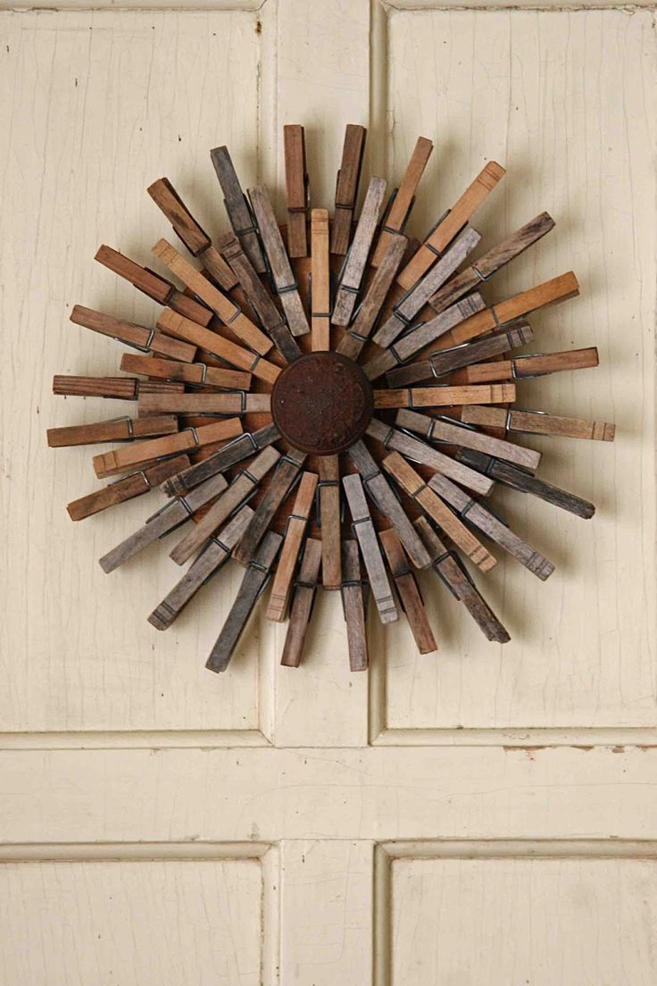 Clothes pin and rusty door knob wreath | Crafty ...
