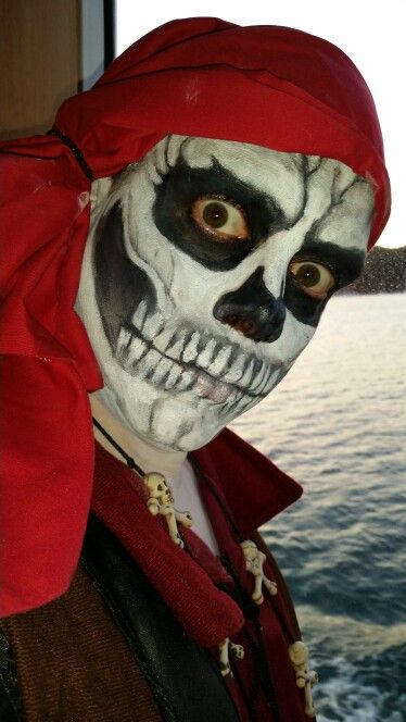 Skeleton pirate face paint