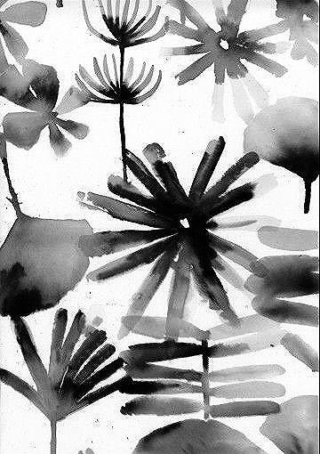 Hand-painted floral pattern, black & white print design // Luli Sanchez