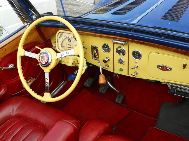 Image Result For Classic Car Steering Wheels Citroen Traction Traction Avant Pinterest