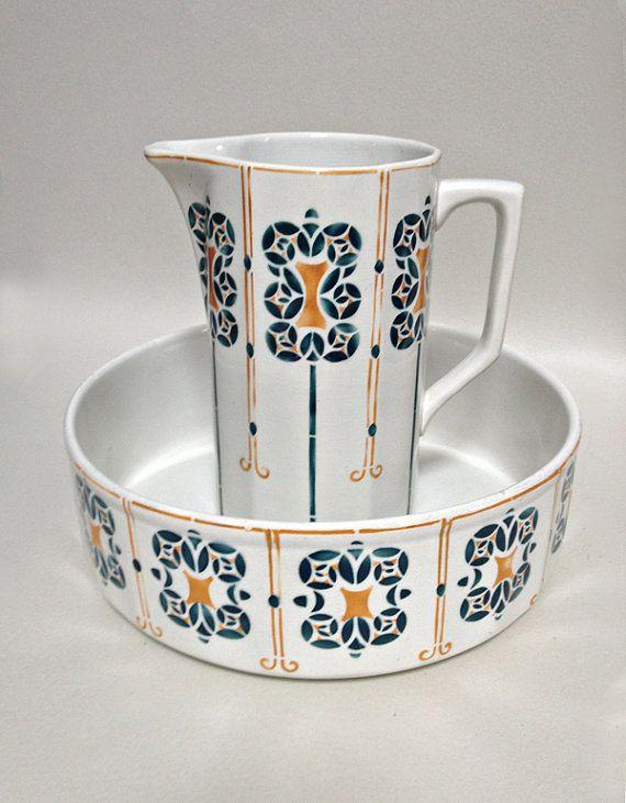 Les 156 meilleures images du tableau vaisselle ancienne for Vasque ancienne en porcelaine