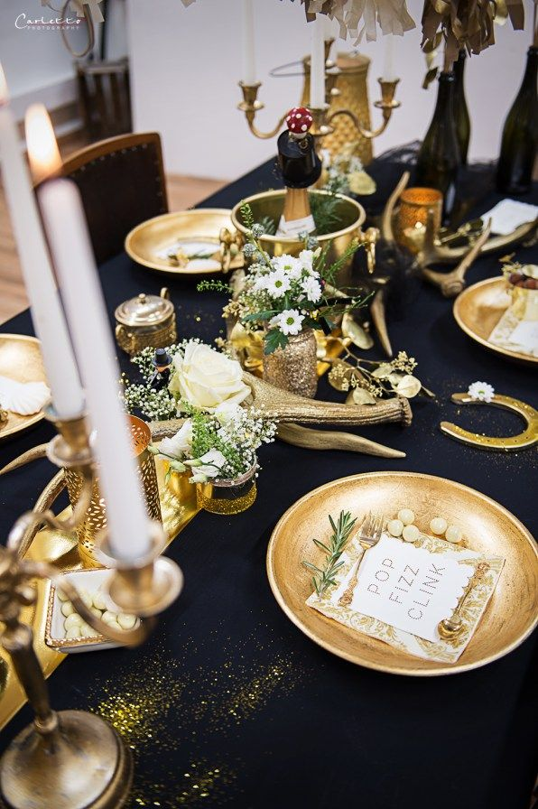 Glamour Decoration, Gold Black Decor, golden decoration, golden black table, new years eve table, glamour table, glamour table gold, Silvester, Silvester Tisch, Silvester Deko, Deko edel, Deko schwarz gold, edle demo, schwarz goldene Deko, Tischdeko glamour, Glamour Party