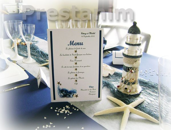 Une id e de d coration marine avec un menu de table for Decoration marine bois