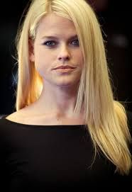 Alice Eve Net Worth, Annual Income, Monthly Income, Weekly Income, and Daily Income - http://www.celebfinancialwealth.com/alice-eve-net-worth-annual-income-monthly-income-weekly-income-and-daily-income/