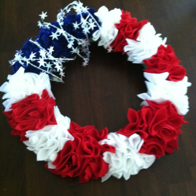 4th of July wreath (felt) - just finished :)