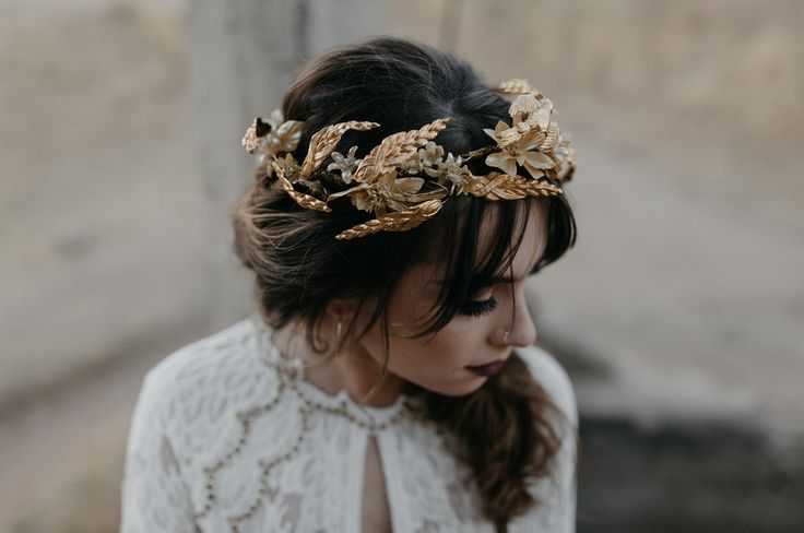 gold crown accessory