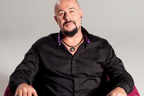 David Genaro: The Wicked Puppet Master http://www.etv.co.za/news/2013/05/29/david-genaro-wicked-puppet-master