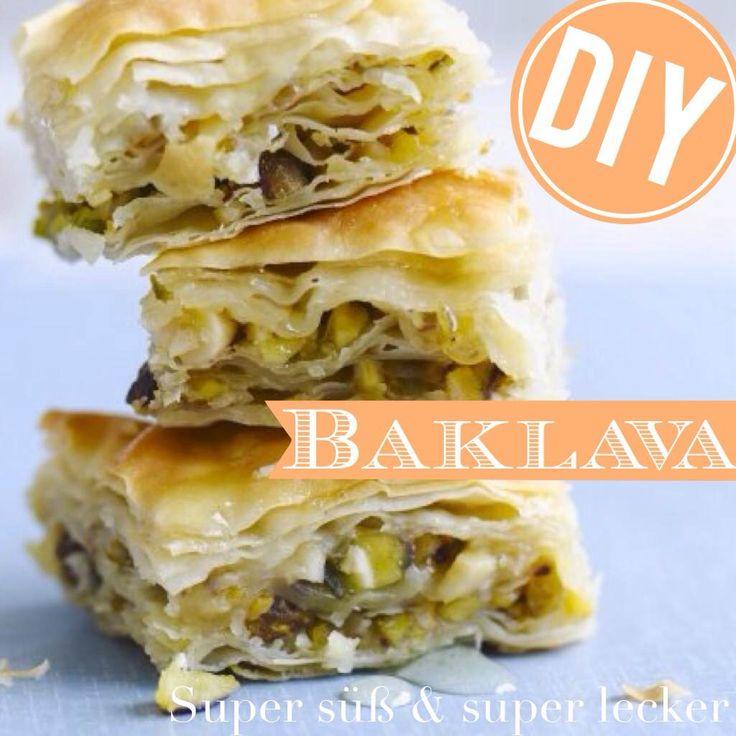 http://eatsmarter.de/ernaehrung/news/baklava-selber-machen Kennen Sie Baklava? Die türkische Spezialität schmeckt süß und nussig.
