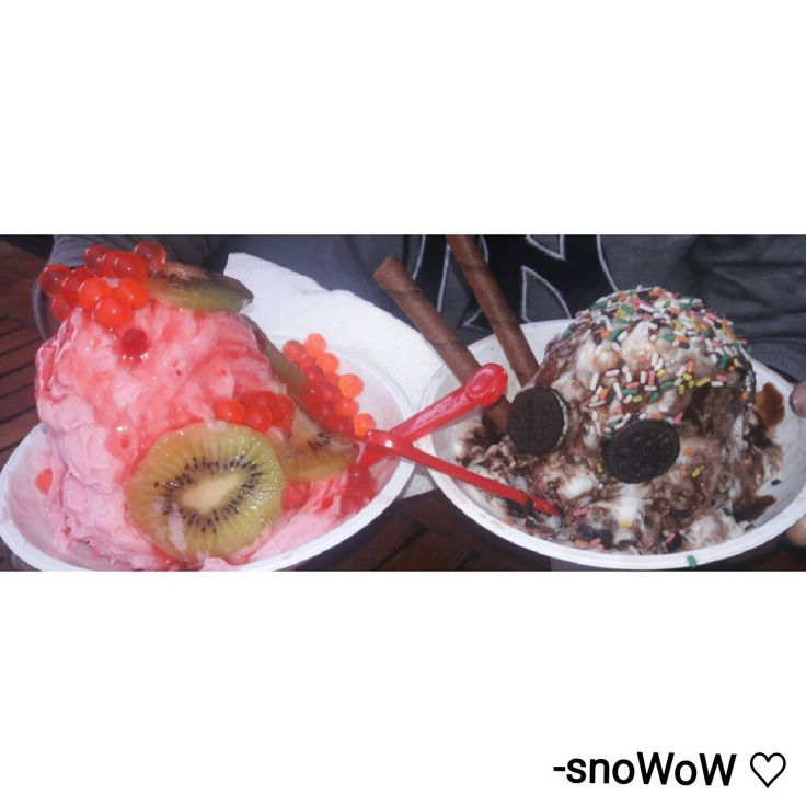 What can be better than having ice cream in this cold & rainy weather. ♡  -snoWow