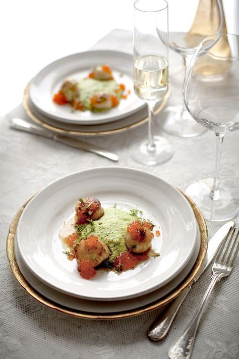 Scallops with pea creme and rainbow roe