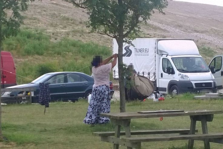 A huge number of people claimed to be Romani's started during 2016 to etablish camps on public areas due to the free movement inside the European Union. Unable to find jobs they soon turned to crime. Toilets are not at their disposals so visitors have to be aware not to step on feces etc.