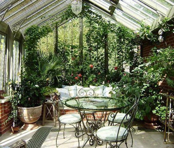 Lush greenhouse interior - http://garden-greenhouse.se