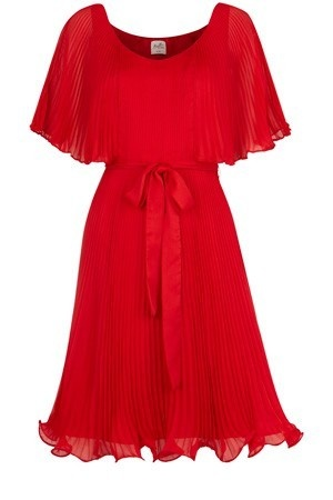 Red, red, red. Reminds me of Kate Middleton. Just gorgeous.: Colors Red, Pretty Clothing, Fashion Clothing, Red Dresses, Favorite Colors, Women Style, Frustrated Fashionista, Dreams Dresses, Flair Dresses