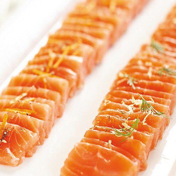 Sashimi di salmone con arancia, pepe rosso di Sichuan e finocchietto selvatico
