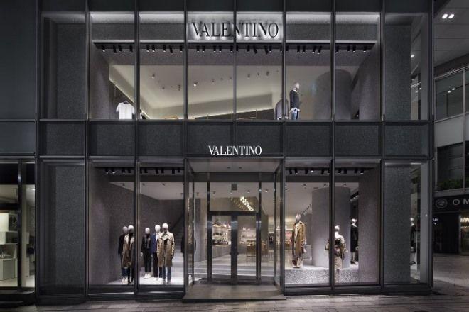 ヴァレンティノが表参道にフラッグシップストアをオープン