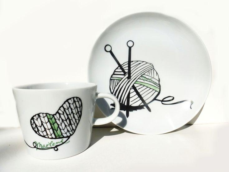 Soooo schön! Geschirr- & Porzellan-Sets - strick becher + teller - ein Designerstück von hellopetie bei DaWanda