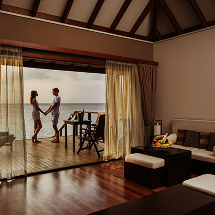 Romantic Honeymoon Hotels When You're on a Budget