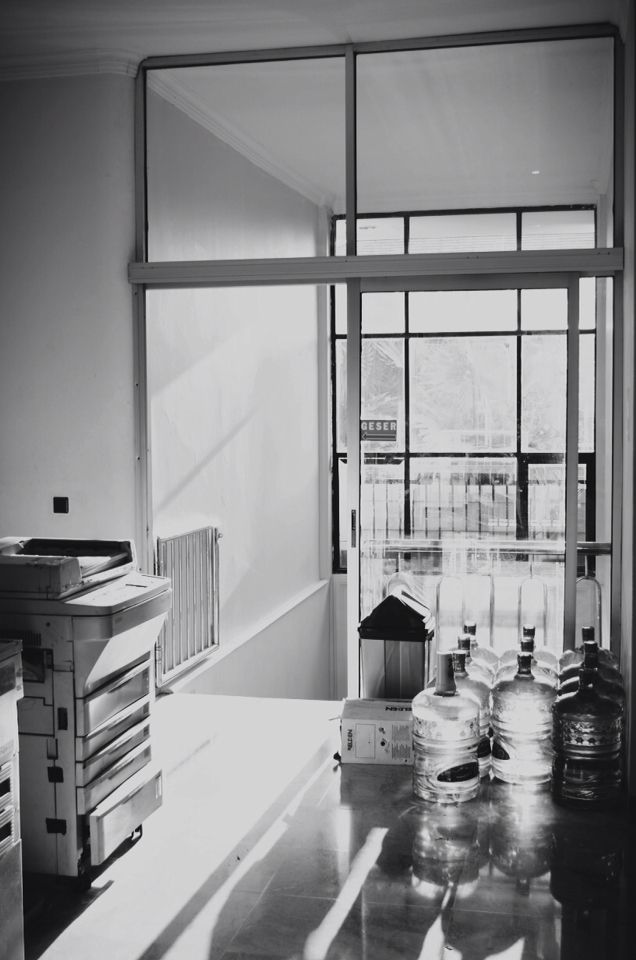 Office black and white #photography #back #light #black #white