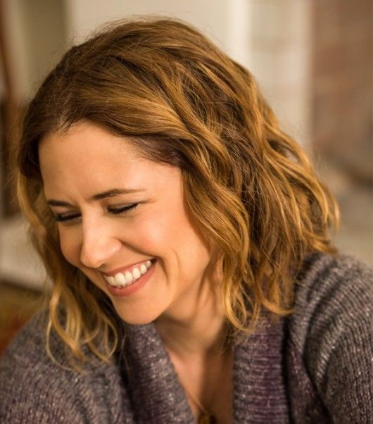Jenna-Fischer-dishes-on-her-new-British-comedy-drama