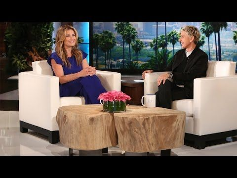 "Idina Menzel sings the chorus of ""Let It Go"" in Japanese at the end of her interview on Ellen's talk show"