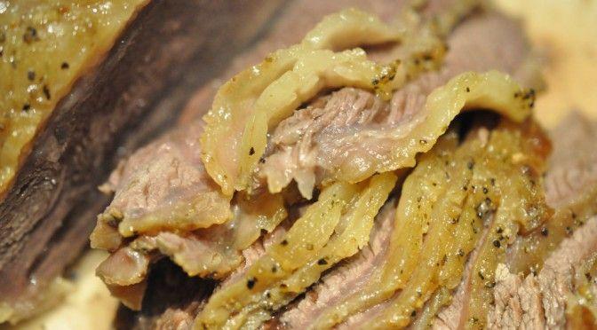 Langtidstegt culottesteg i Römertopf med kartofler og grønt