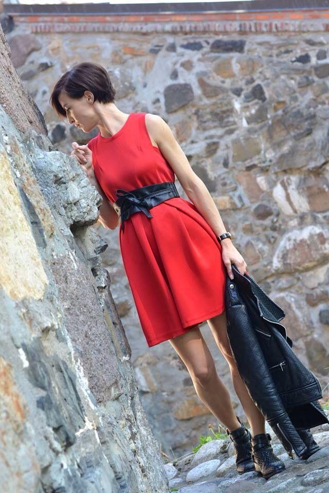 power of a red dress,shinnied dress
