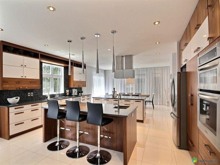 17 meilleures id es propos de comptoirs de quartz blanc for Salle de bain carrelee jusqu au plafond