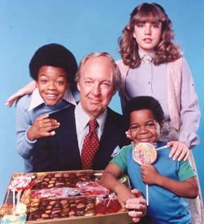 Different Strokes. I grew up watching this show as a kid and loved how Arnold would steal the show but also how Mr. Drummond was like the dad we all wished to have, even with his pretty bad jokes. Wathca talking about Willis?