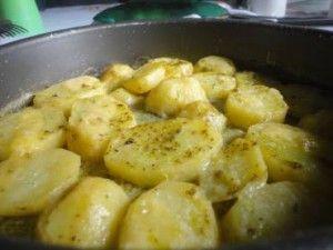 A Berinjela à Parmegiana é fácil de fazer, deliciosa e será um sucesso no seu almoço ou jantar. Faça e comprove! Veja Também:Lasanha de Berinjela Veja Tam