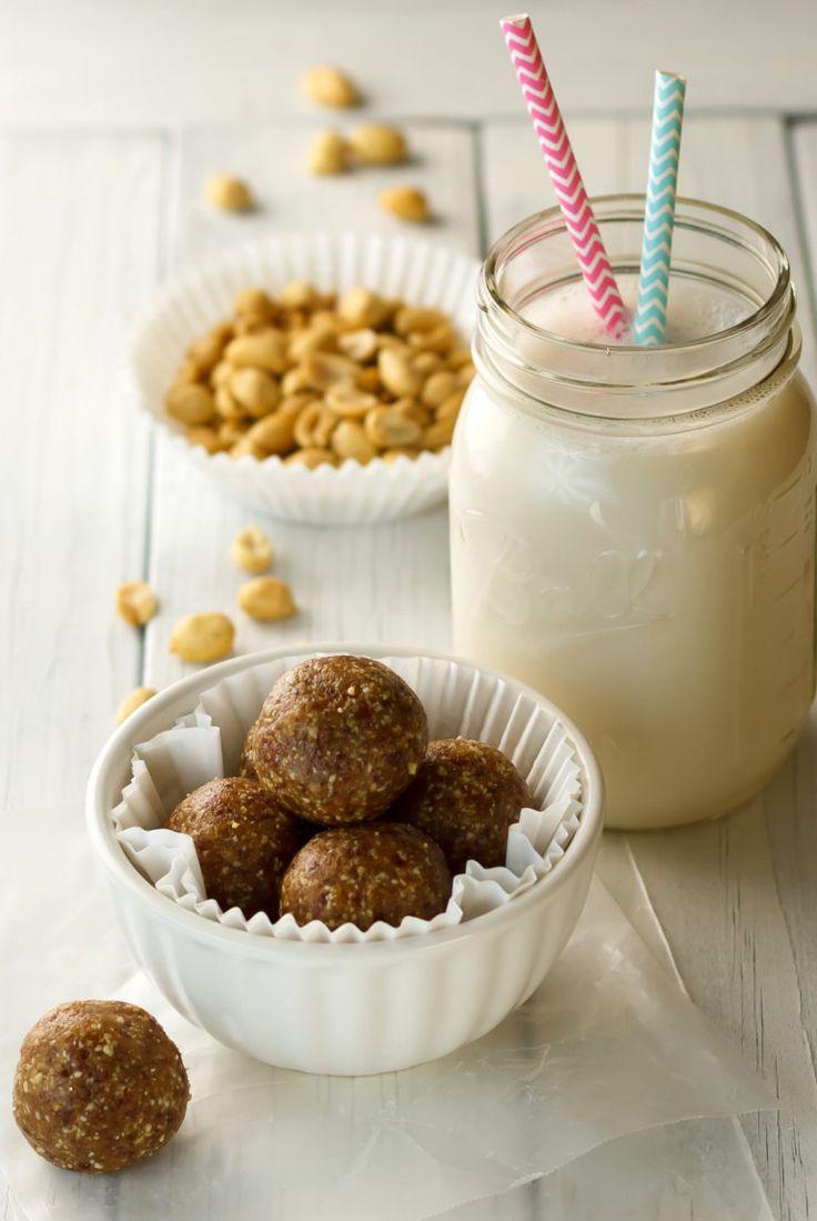 Clean Eating Raw Peanut Butter Cookie Bites Recipe (Copycat LaraBar Recipe)