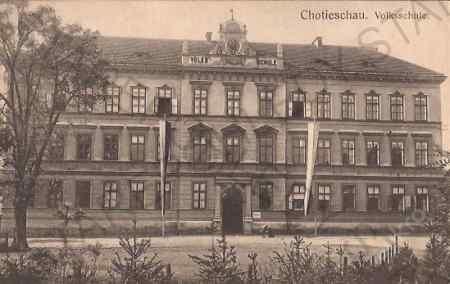 stará škola ( nyní obecní úřad )