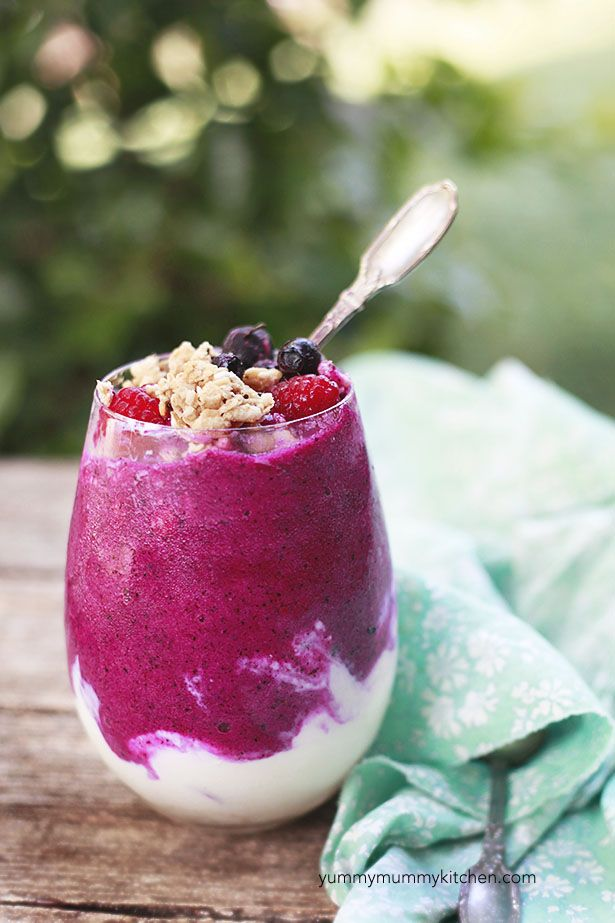 Dragon Fruit Smoothie Parfait
