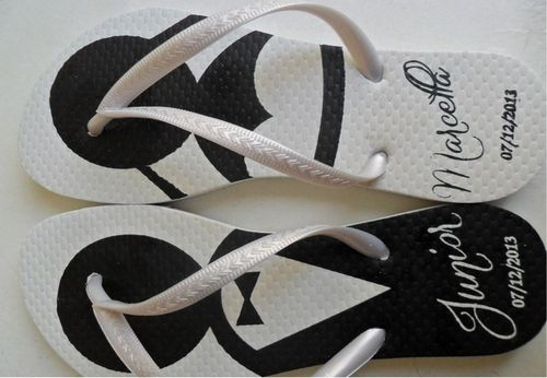 Chinelos ou Sandálias personalizadas para a Lembrança de casamento
