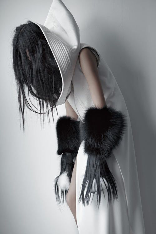 Chinese fashion designer Qiu Hao /// French photographer Matthieu Belin /// F/W 2011 Serpens Collection.
