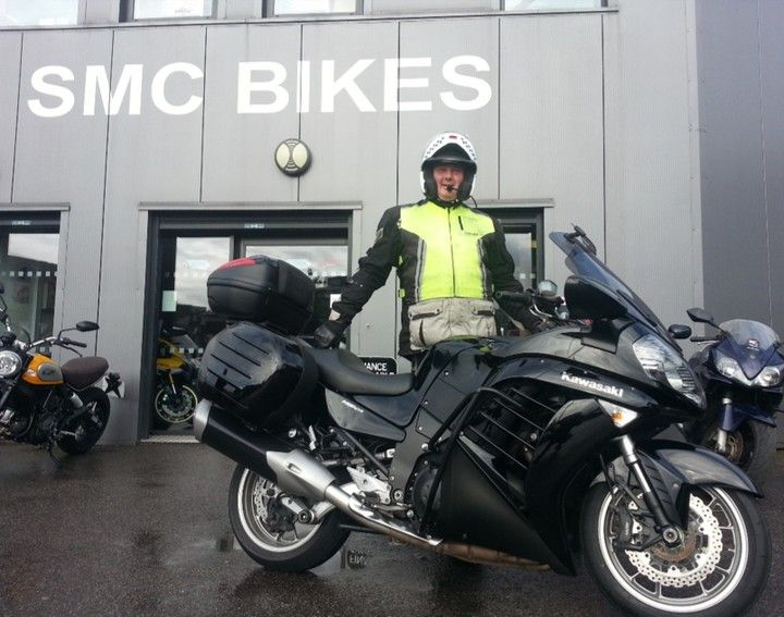 Big Mick with his BIG Kawasaki 1400. Top bloke cheers Mick :) #Kawasaki #KKKRiderTraining smcbikes.com http://ift.tt/2d4oJCV