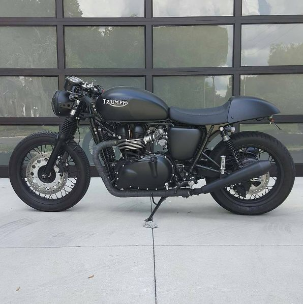 triumphnationCustom '13 Thruxton 900 @erik666ftwbbq ______________________________________________ Nation merch store, link in bio www.zazzle.com/designsbyck Tag ✔#triumphnation ✔ for a feature or email Triumphnation@yahoo.com...