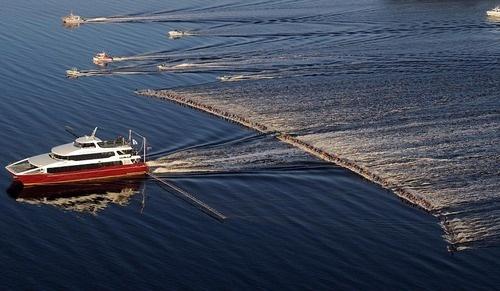 水上スキーの世界記録。145名同時!