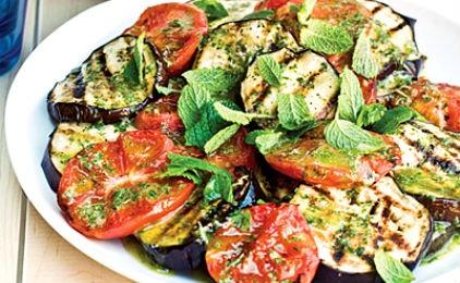 Σαλάτα με μελιτζάνες και ντομάτες