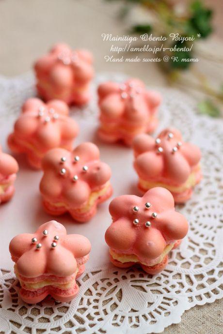 ラブリーピンクのお花マカロンレシピ♪ひな祭りにも                                                                                                                                                                                 もっと見る