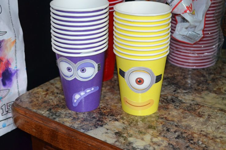 Despicable Me birthday party ideas Minion face cups! Evil minions