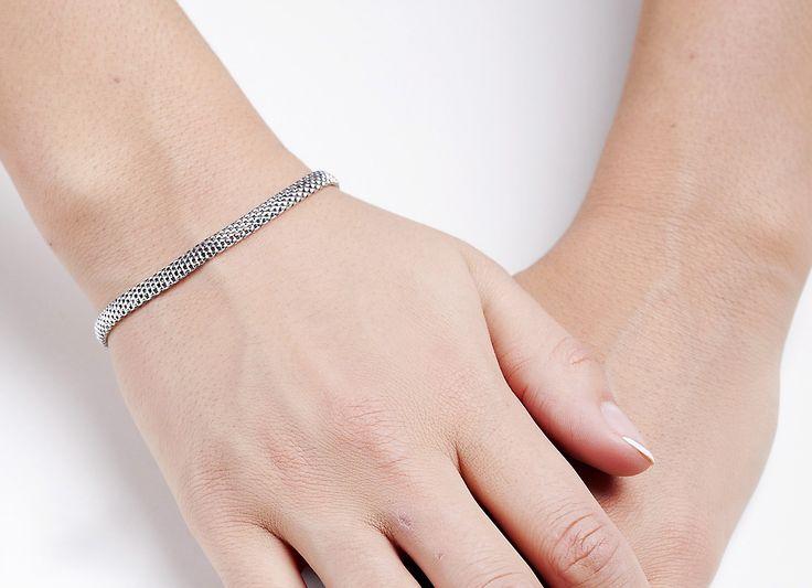 Śliczna Srebrna bransoletka - Biżuteria srebrna dla każdego tania w sklepie internetowym Silvea #biżuteriasrebrna #bransoletkasrebrna #srebrne #biżuteria