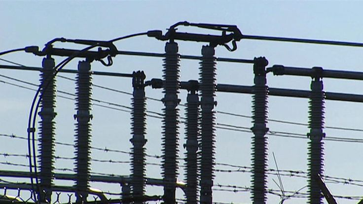 """About 55,000 homes were left in the dark in #Abbotsford, #Chilliwack, #Delta, #Langley, #Surrey, Fraser Valley. The massive power outage was because of a """"transmission circuit failure"""" according to BC Hydro, #Canada. #iSocket3G can alert you when power fails or is restored - by texting or call to your cellphone. Available with discounts for pre-order on www.isocket3g.com:443/en now. #PowerOutage #HydroOutage"""