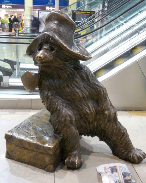 Statues Quo: Paddington Bear (Ours Paddington)