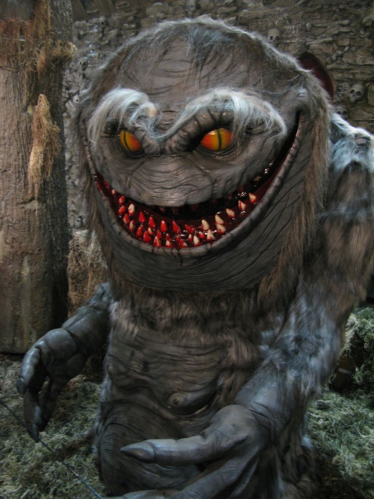 Best Resources For Halloween Special Effects & Props You Can Build YourselfHalloween Decorations, Halloween Stuff, Diy Halloween Props, Halloween Special, Halloween Ideas, Scary Monsters, Halloween Diy, Diy Props, Special Effects
